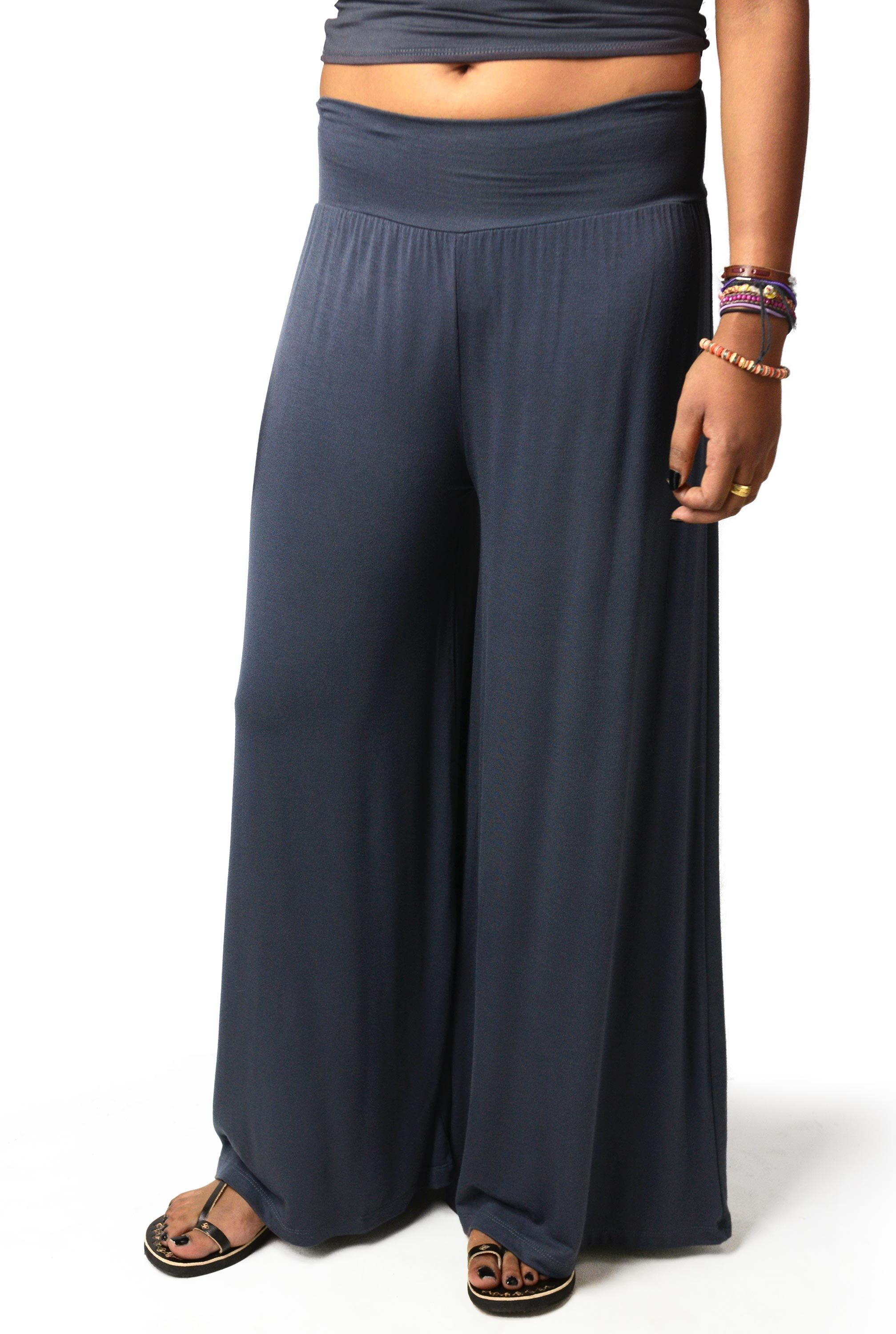 Grey Solid Wide Leg Pants -
