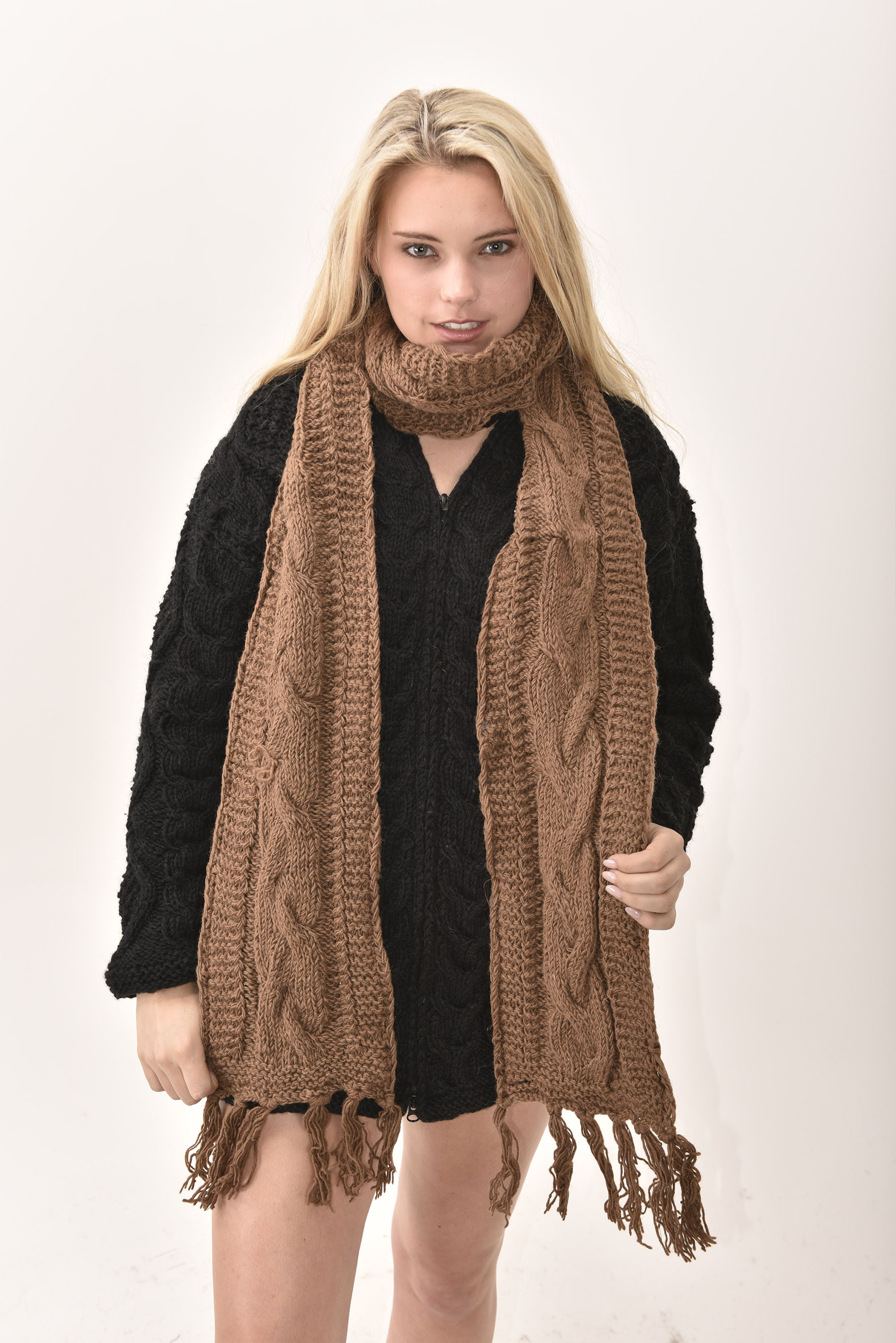 Scarf Cable Knit, Brown