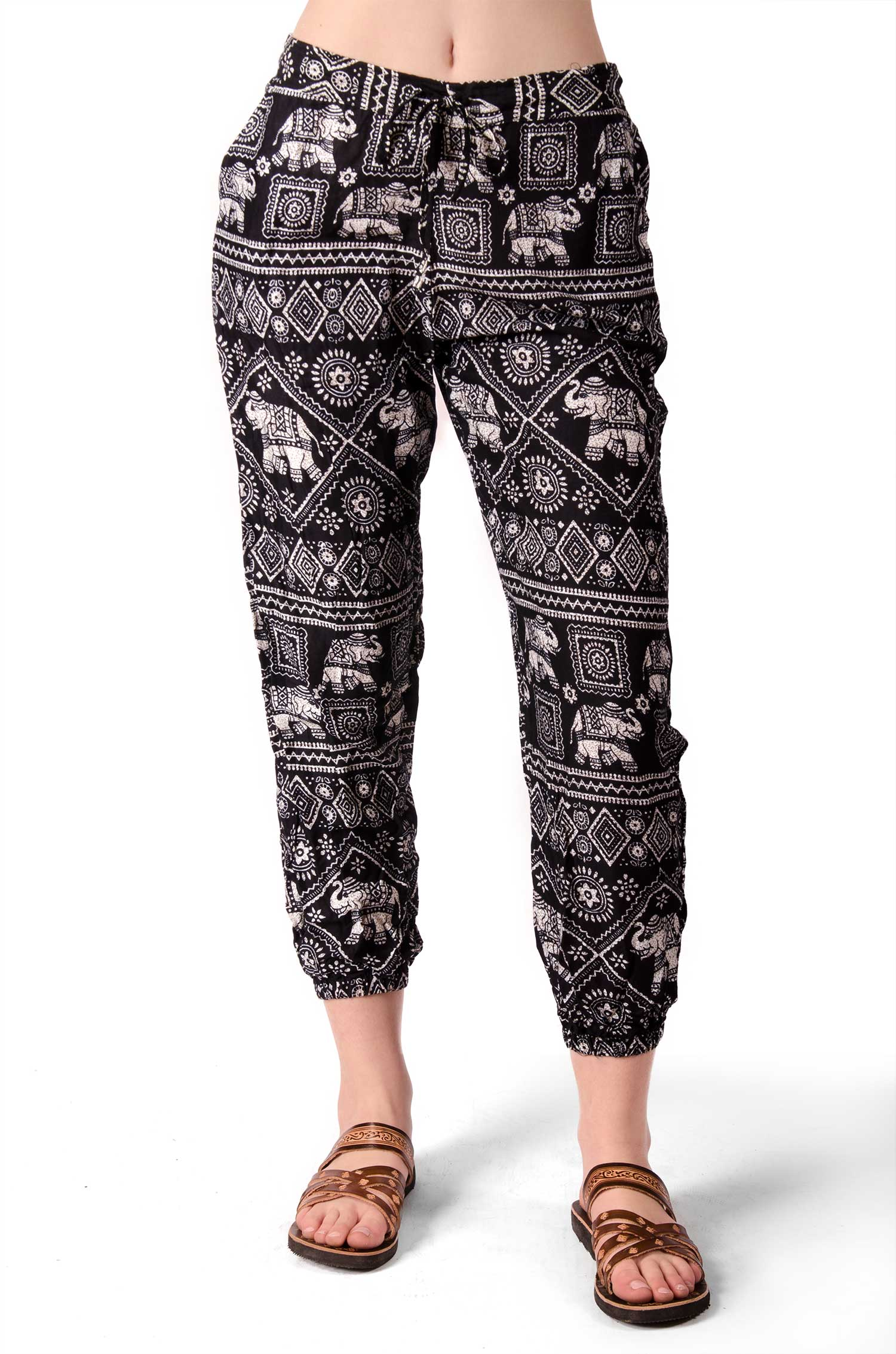 Elephant Print Capri Pants - Black - 4473Y